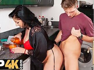 Videos from maturehdporn.tv